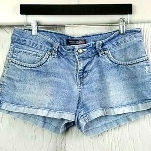 Levi's Shortie Shorts! Size 9